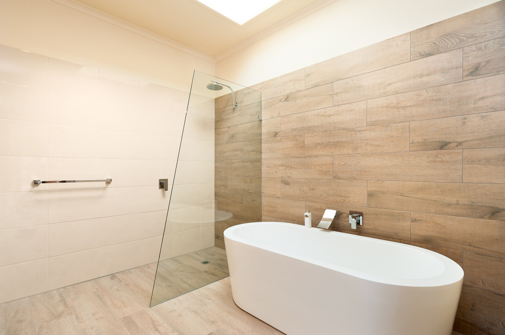 Ceramic timber tiles bathroom renovation in belmont for Carrelage imitation parquet salle de bain