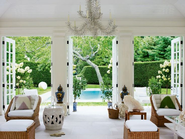 Get the look the hamptons from a new yorkers point of view Indoor outdoor interior design