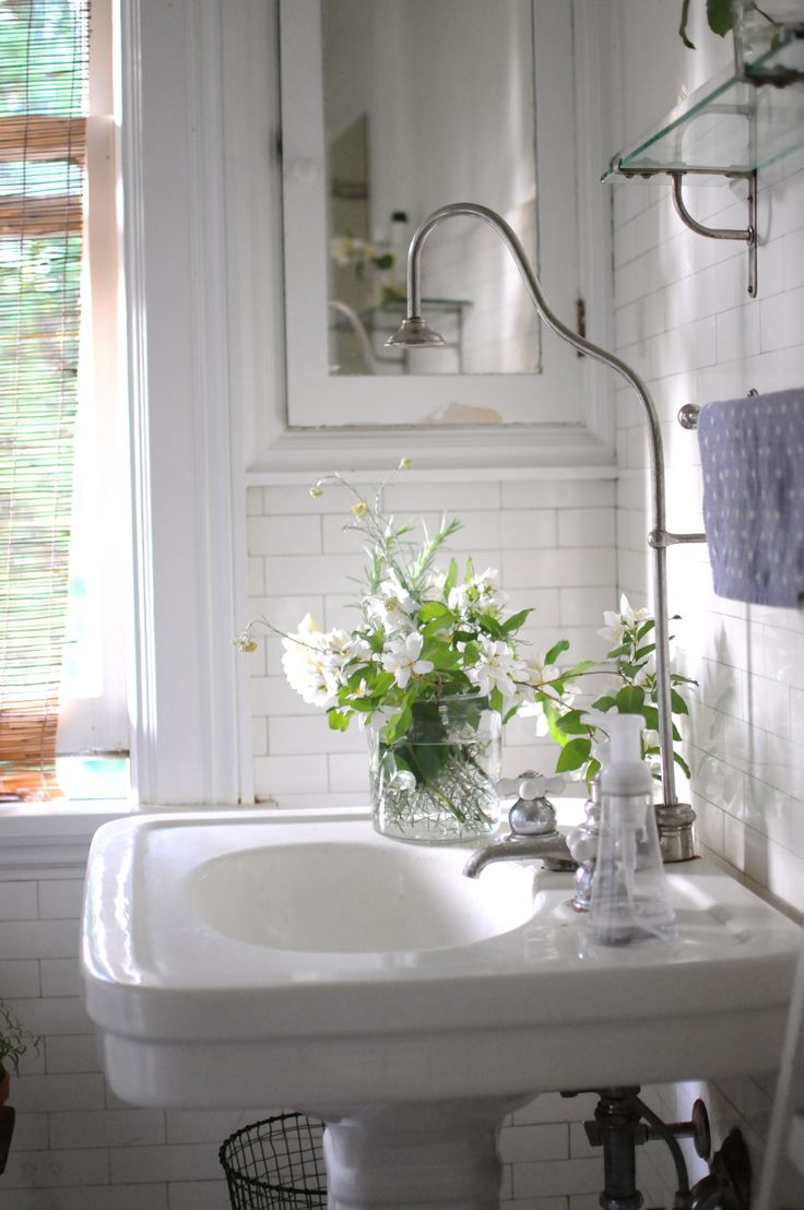 Put pedestal sinks on a pedestal tilejunket for Images of country bathrooms