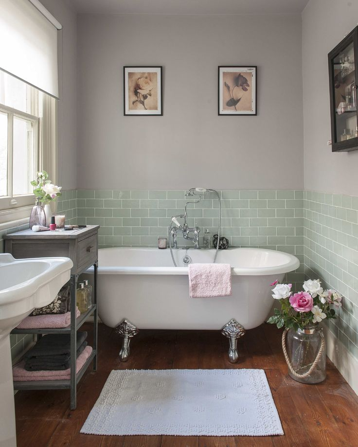 11 Tips for a Light & Airy Bathroom (PLUS Inspiration Gallery)