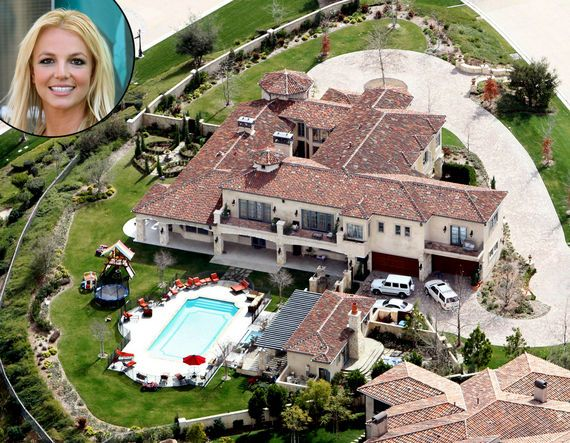 Celebrity Homes Britney Spears omg that is HUGE!!!