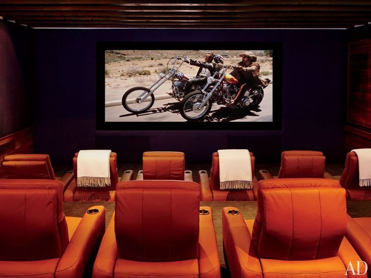 Clooney's home theater is outfitted with a 14-foot Da-Lite screen and CinemaTech seats.